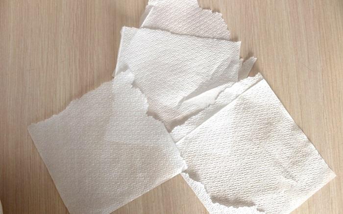 Порванные бумажные салфетки