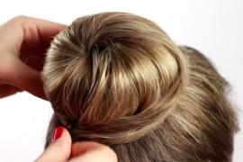 Как собрать волосы на голове в красивый пучок