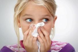 Почему возникает насморк у детей и как его лечить