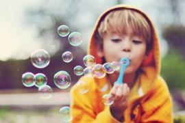 Делаем большие мыльные пузыри, которые не лопаются