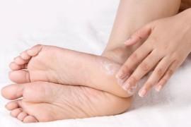 Причины появления и лечение трещин на пятках